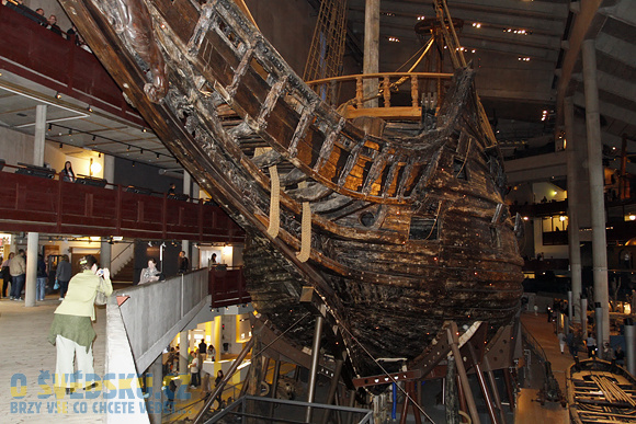 Loď Vasa ve stejnojmenném muzeu.