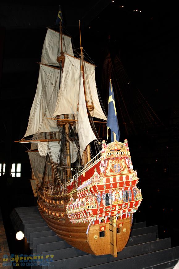 Vasa Muzeum. Model lodě Vasa s jejím zbarvením.