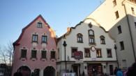 Jen pár kilometrů za českými hranicemi na polské straně Krkonoš se nachází skoro stotisícové město Jelenia Góra. Před válkou se jednalo o jedno z nejdůležitějších center Slezska, dnes je součástí […]