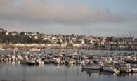 Vnejzapadlejší západní části Bretaně do moře vybíhají tři poloostrovy. Prostřední znich se nazývá Crozon (podle nedalekého města) a na jeho špičce leží vesnice Camaret-sur-Mer. Je to tak daleko, že se […]