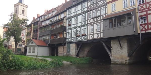 Založení Erfurtu se datuje do většího dávnověku, než můžeme pozorovat u českých měst. První písemné zmínky vhistorických pramenech o hlavním městě spolkového státu Durynsko pocházejí z8.století. Na počátku 9.století zde […]