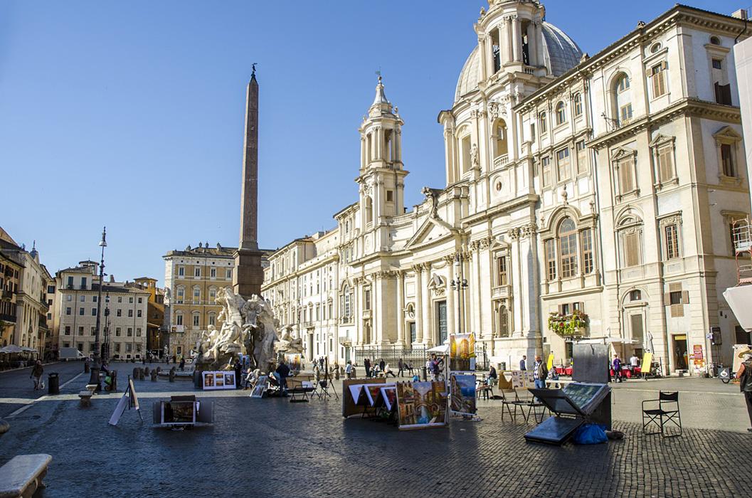 Celkový pohled na Piazza Navona