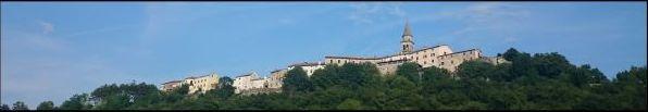 Historické jádro Buzetu se nachází na kopci