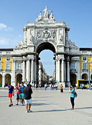 Triumfální oblouk na náměstí Praça do Comércio