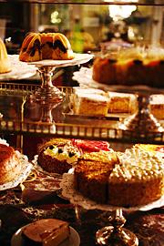 Demel není pouze kavárna, ale především cukrárna.